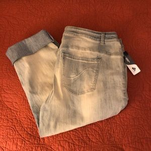 NWT Lane Bryant cropped jeans